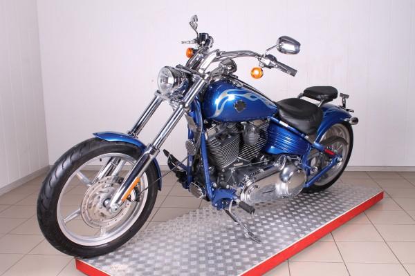 Harley-Davidson FXCWC Softail Rocker C в Москве