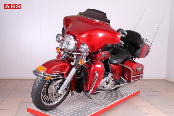Harley-Davidson FLHTCU Electra Glide...