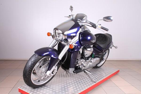 Suzuki M109R Boulevard